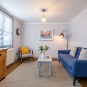 Sailmaker's Cottage Minutes From the Quay Luxury Character 2 bed Cottage