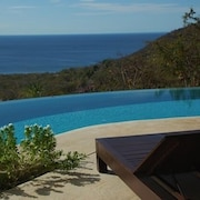 Breathtaking View From Infinity Pool With 'jewel Of The Mountain'