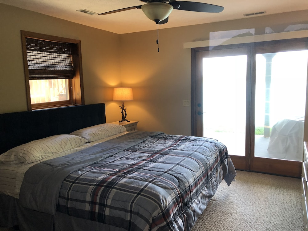 lakefront home in deerfield resort with stunning norris lake views rh expedia com