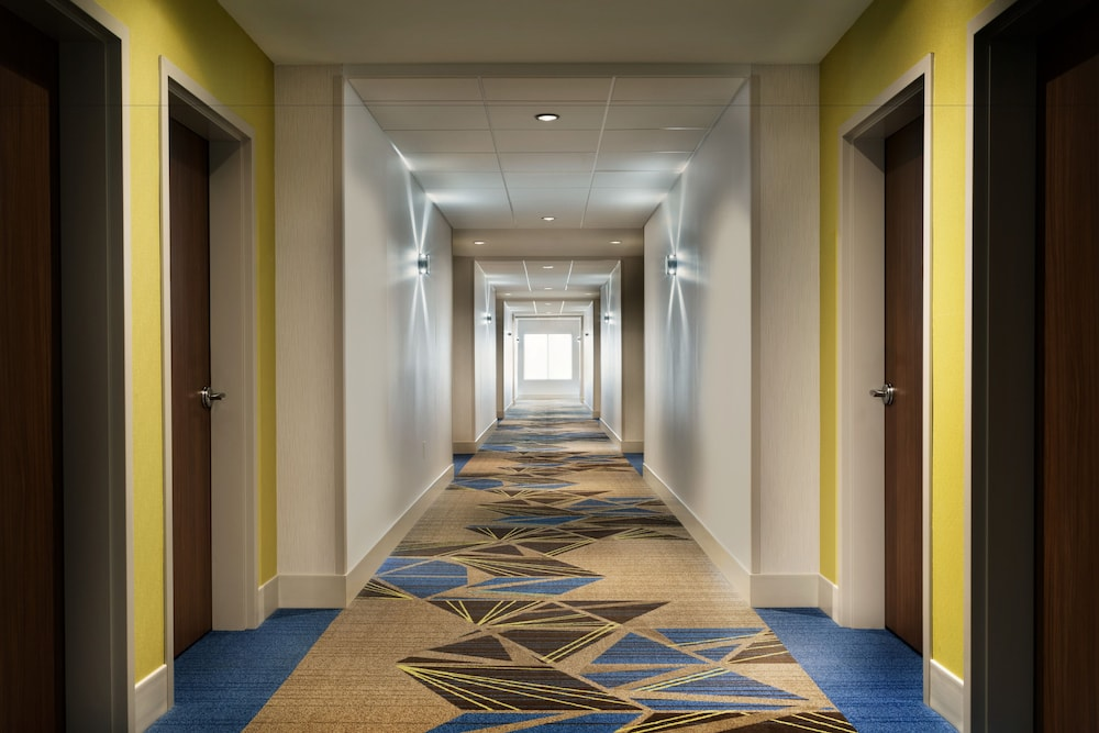 Interior, Holiday Inn Express & Suites Allen Park