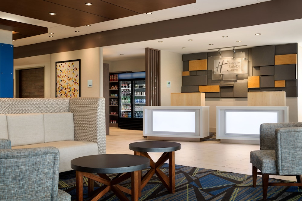 Lobby, Holiday Inn Express & Suites Allen Park
