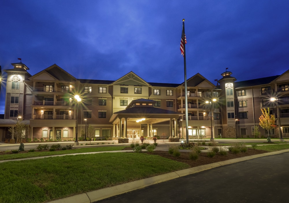 Front of Property - Evening/Night, Chautauqua Harbor Hotel- Jamestown