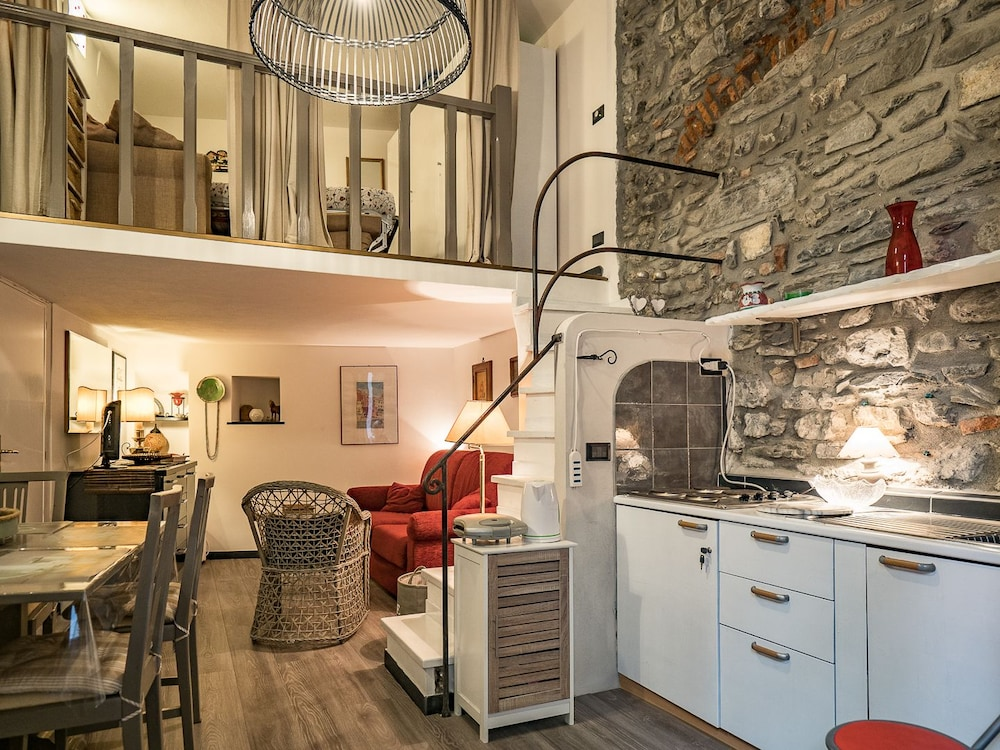 Petrella\'s Point Studio (Vernazza, Italia) | Expedia.it