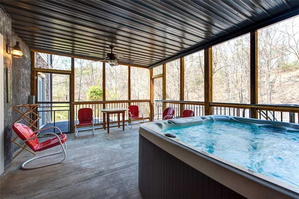 Emory House 8 Bedroom Home with Hot Tub: 2018 Room Prices, Deals ...