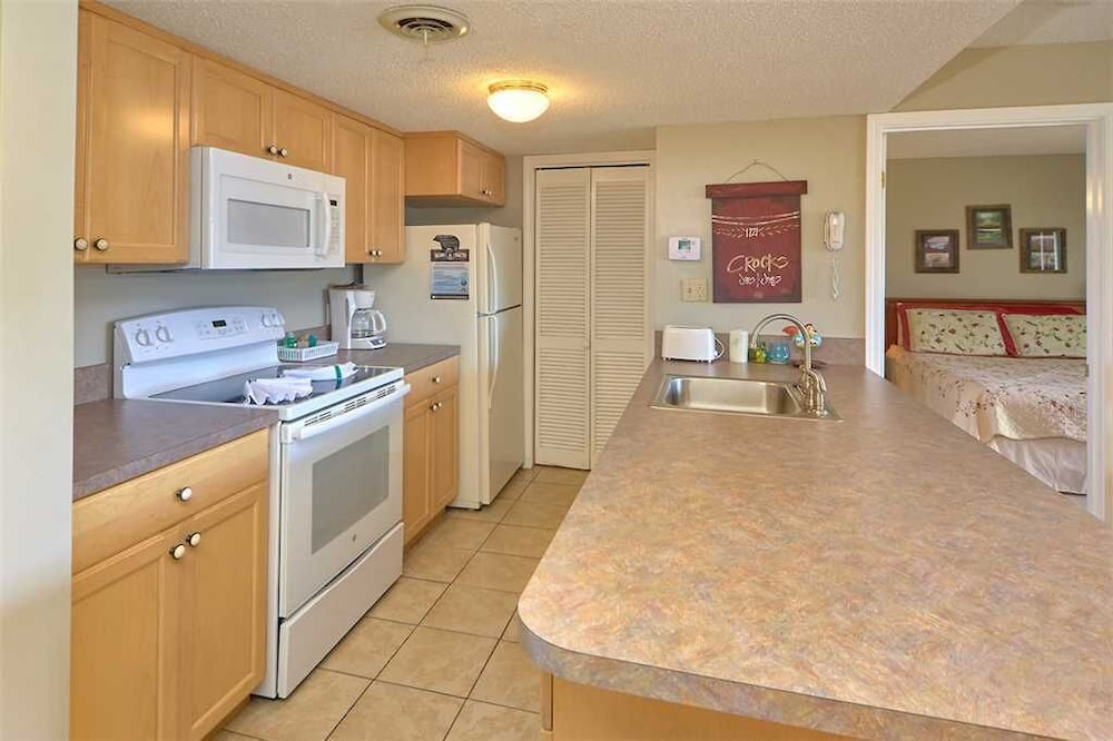 Private Kitchen, High Chalet 2 Bedroom Home