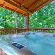 Unbridled Spirit 5 Bedroom Home with Hot Tub
