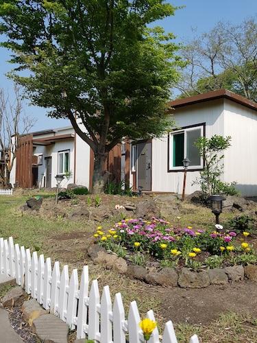 Jeju Mini Land Accommodation Au73 Hotels Near Jeju Mini Land Wotif