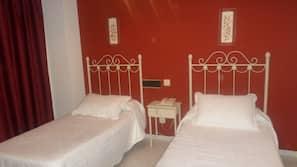 Cortinas opacas, cunas o camas infantiles gratuitas, wifi gratis