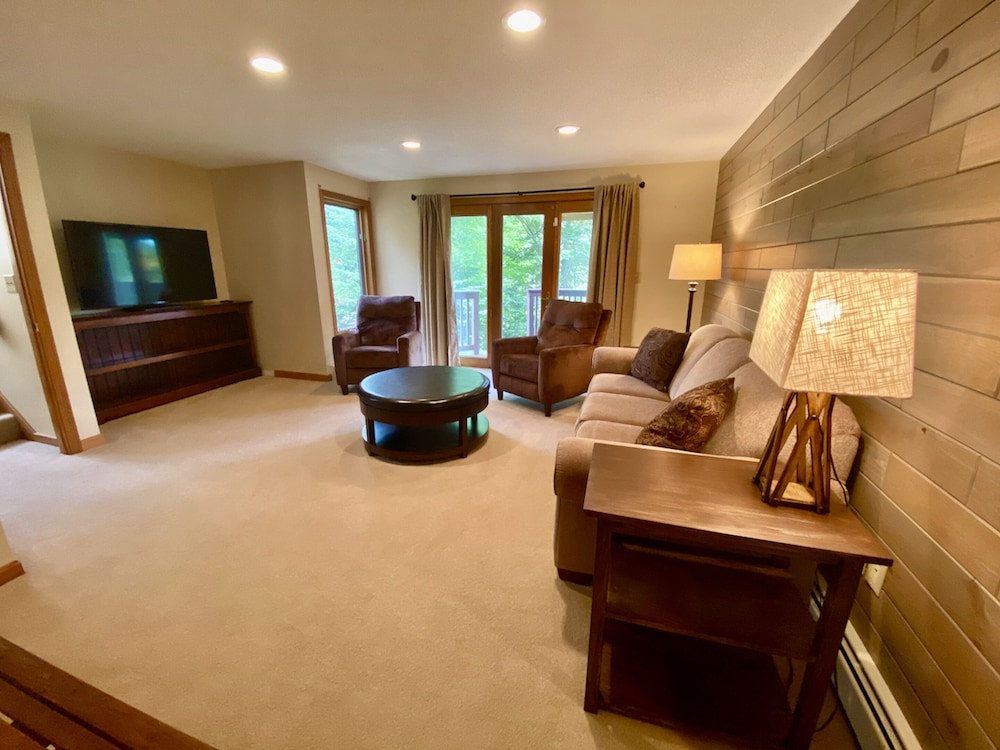 Living Area, Bretton Woods Mountainside Townhomes by Bretton Woods Vacations