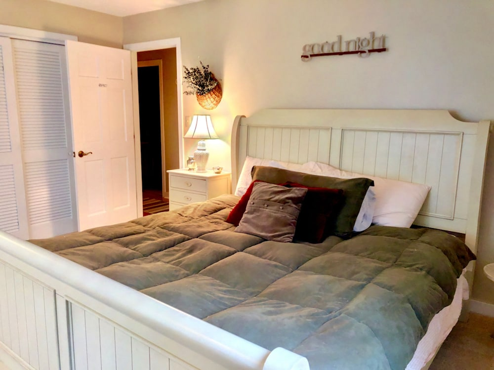 Room, Bretton Woods Mountainside Townhomes by Bretton Woods Vacations