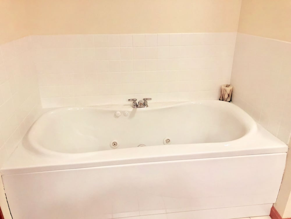 Jetted Tub, Bretton Woods Mountainside Townhomes by Bretton Woods Vacations
