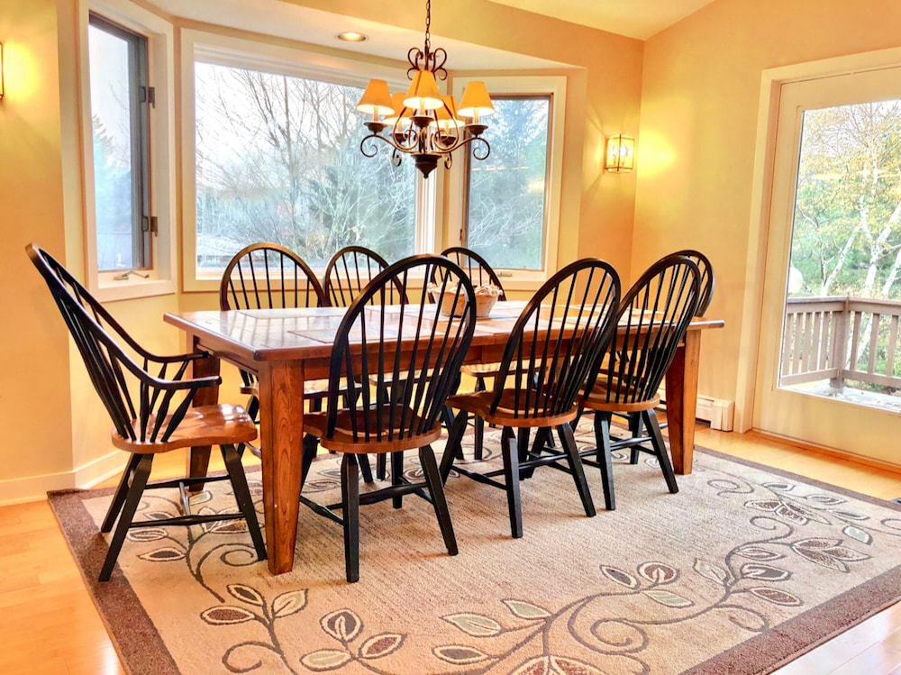 Dining room, Bretton Woods Mountainside Townhomes by Bretton Woods Vacations
