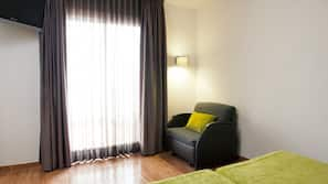 Värdeförvaringsskåp på rummet, skrivbord och gratis wi-fi