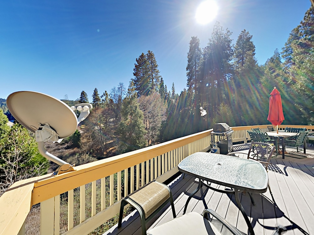 Balcony, Lake-view 4br W/ 2 Decks & Game Room 4 Bedroom Home