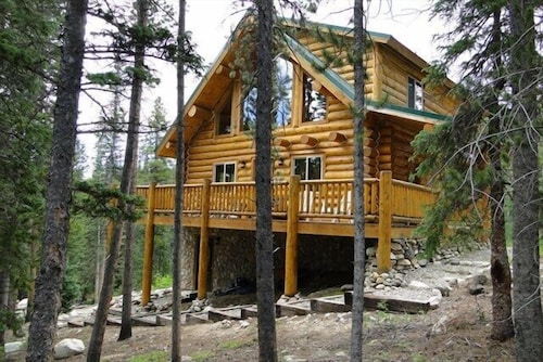 Check Expedia for Availability of Pinecone Mountain Chalet 5 Bedrooms 3 Bathrooms Cabin