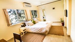 1 多间卧室、高档床上用品、保险箱、书桌