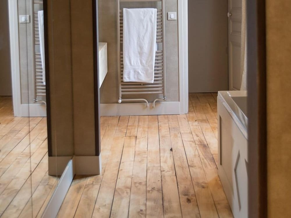 Bathroom, Le Clos Guivet