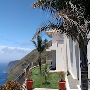 House With 3 Bedrooms in Fajã da Ovelha, With Wonderful sea View, Enclosed Garden and Wifi