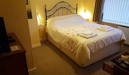 A. B&B - Glastonbury