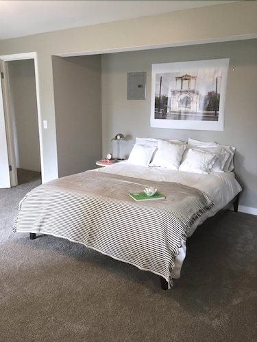 Great Place to stay Modern Daylight Suite! A 3 Minute Walk to Wsu! near Pullman