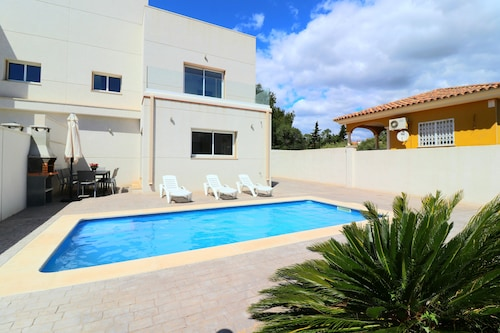 Villa Mestral HOT TUB Pool and Rooftop Terrace Beside Beach Full A/C Free Wifi