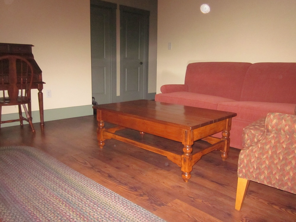 Living Room, Come Explore Nauvoo With us!