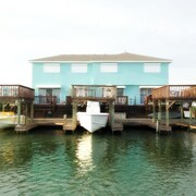 Stay on the Water! Beautiful Condo on Canal Located Near Beach! Great Views!