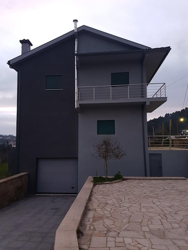 House With 4 Bedrooms in Montão, With Wonderful Mountain View and Furnished Balcony