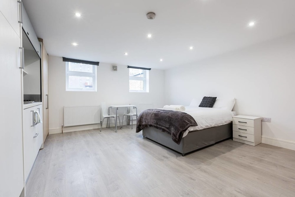 spacious studio flat camberwell 2a 2018 room prices deals