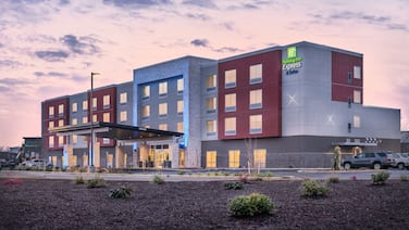 Holiday Inn Express & Suites Salem North - Keizer, an IHG Hotel