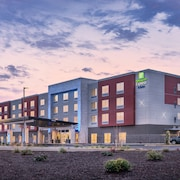 Holiday Inn Express & Suites Salem North - Keizer