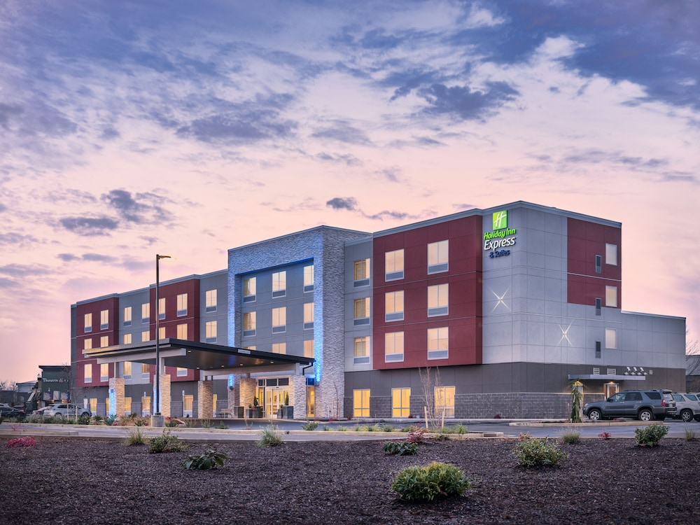 Featured Image, Holiday Inn Express & Suites Salem North - Keizer, an IHG Hotel