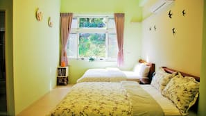 3 bedrooms, Egyptian cotton sheets, premium bedding, down comforters