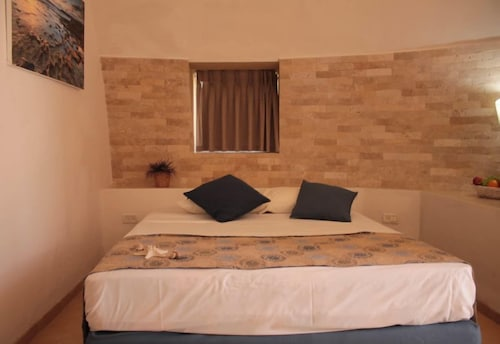 Room, Dor Holiday Village
