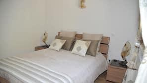 2 chambres, fer et planche à repasser sur demande, lits bébé (gratuits)