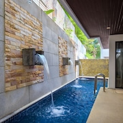 Nai Harn Lake Villa by Holiplanet
