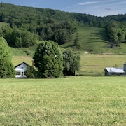 Charming 1930s Farmhouse Located Between Boone and West Jefferson, Nc!!!