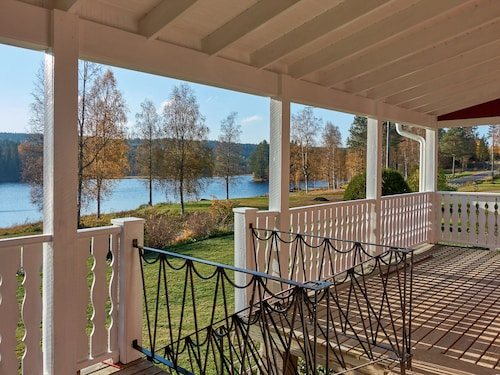 Sunny Location and Lake Property. 20 m to own Shoreline and Boat Launch