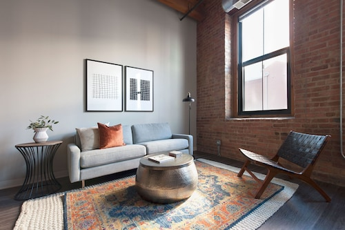 Check Expedia for Availability of Unique 2BR in South Loop by Sonder