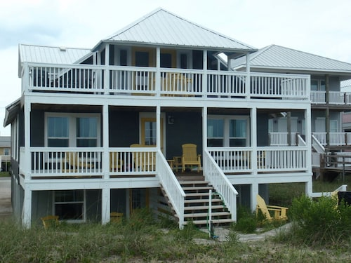 Only 2 Night Minimum Off Season!!! Authentic Ocean Front- Just Steps to Beach!