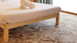 3 bedrooms, premium bedding, desk, iron/ironing board