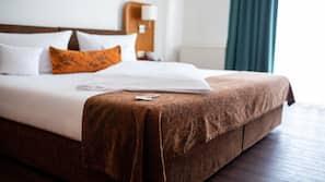 Allergikerbettwaren, Zimmersafe, Schreibtisch, Verdunkelungsvorhänge