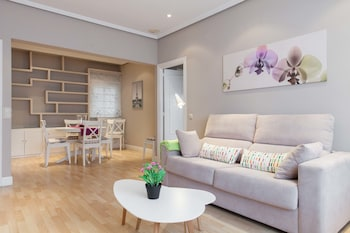 Offer Luxury Apartment Madrid