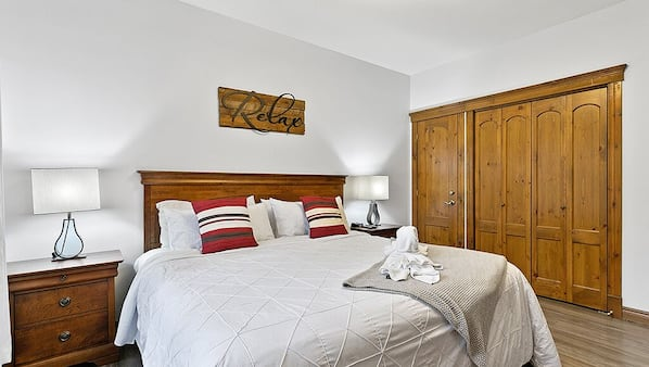 1 bedroom, premium bedding, Select Comfort beds, individually decorated