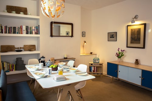 A Stylish Family House Close to the Centre of Hay-on-wye