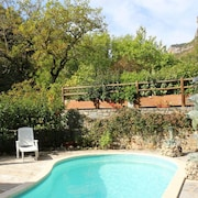Villa With 4 Bedrooms in Saint-pierre-des-tripiers, With Wonderful Lake View, Private Pool, Furnished Garden - 41 km From the Slopes