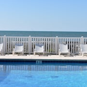 Great Location, Oceanfront Pool and Steps From the Beach!