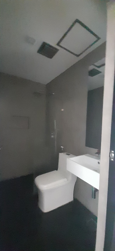 Bathroom, McHotel Fairview