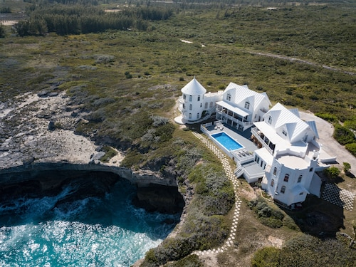 Breathtaking Ocean Front Villa, Amazing Views
