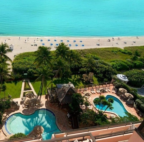 Miami Beach Alexander Hotel Ocean Front 4 Star Resort Blocks From South 0 Out Of 5